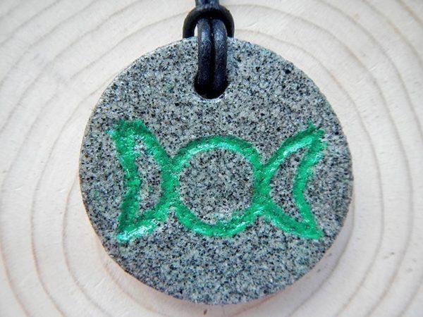Granit Amulette
