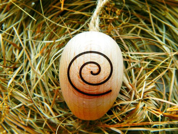 """Ostara Ei """"Spirale des Lebens"""" von vorne - linksdrehend (Abb. ähnlich)"""