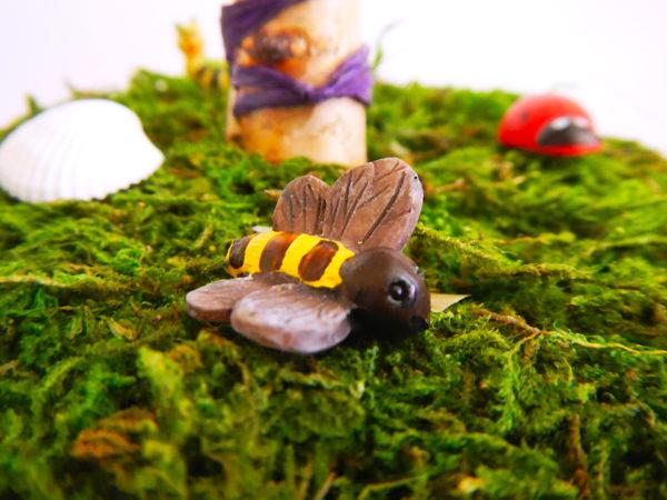 Beltane Baum - Biene im Moos (Abb. ähnlich)