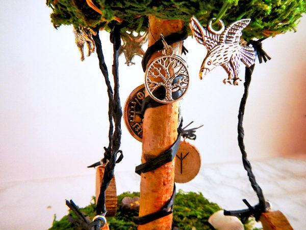 "Beltane Baum ""Runen"" - Lebensbaum (Abb. ähnlich)"