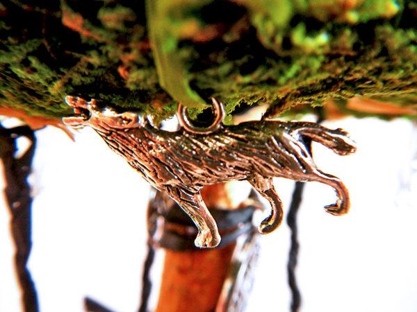 """Beltane Baum """"Runen"""" - Wolf Freki Motivanhänger (Abb. ähnlich)"""